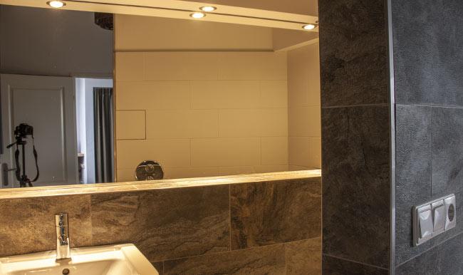 spiegel-badkamer-inbouwspot